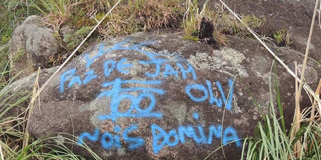 Justiça determina que grupo terá que limpar o Morro do Anhangava